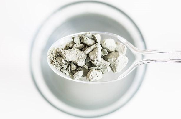 خوردن پودر سنگ