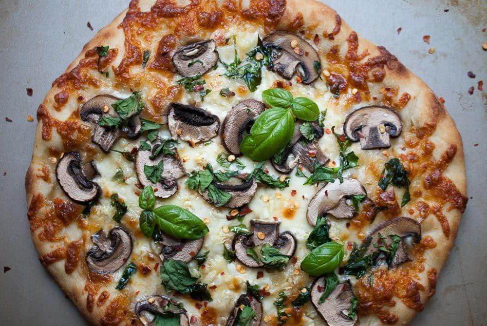 پیتزا رژیمی قارچ و پنیر