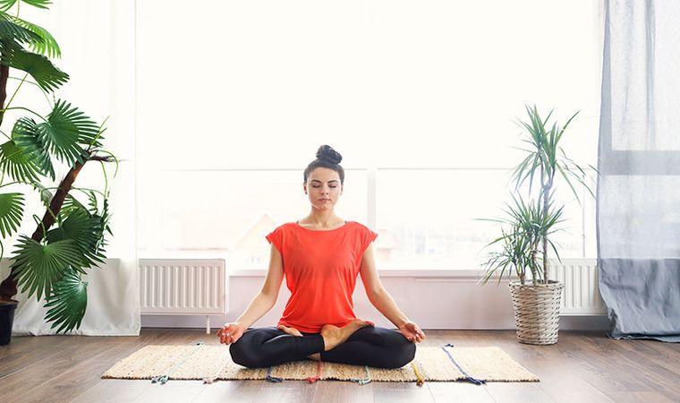 یوگا در خانه