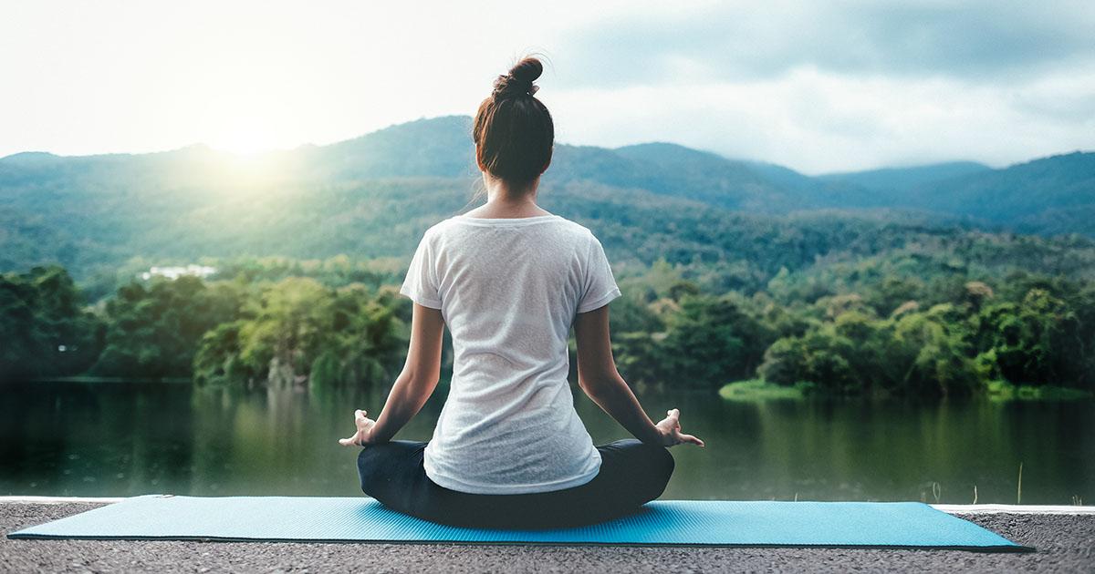 حرکات یوگا در خانه
